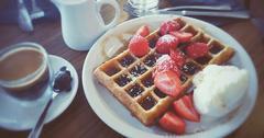 8DC651BB-breakfast6.jpg